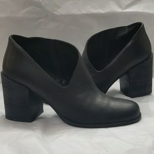 FREE PEOPLE LEATHER BOOTIE